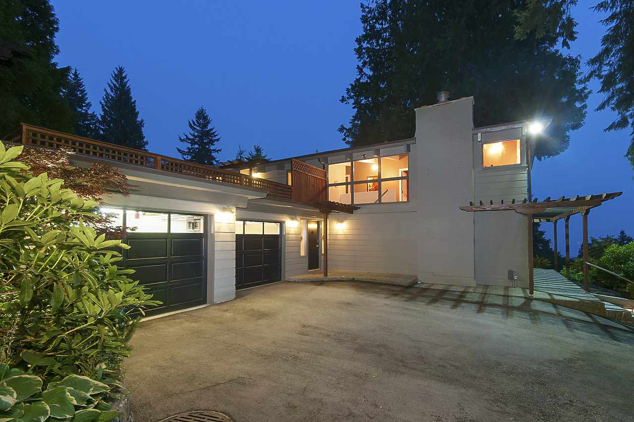 Detached at 3165 BENBOW ROAD, West Vancouver, British Columbia. Image 17