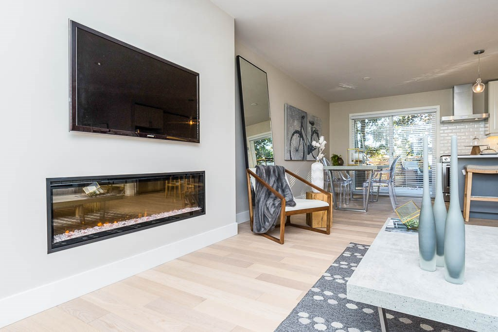 Detached at 1540 STEVENS STREET, South Surrey White Rock, British Columbia. Image 3