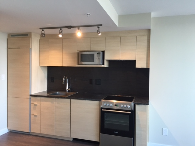 Condo Apartment at 2508 489 INTERURBAN WAY, Unit 2508, Vancouver West, British Columbia. Image 2