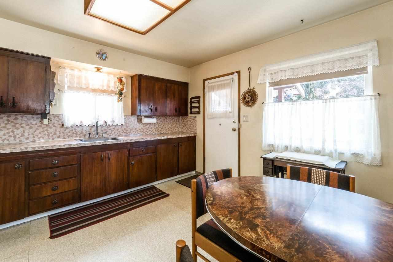 Detached at 41 FELL AVENUE, Burnaby North, British Columbia. Image 7