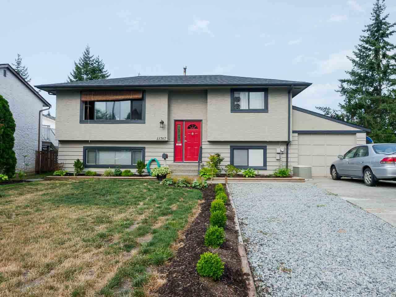 Detached at 11767 230 STREET, Maple Ridge, British Columbia. Image 2
