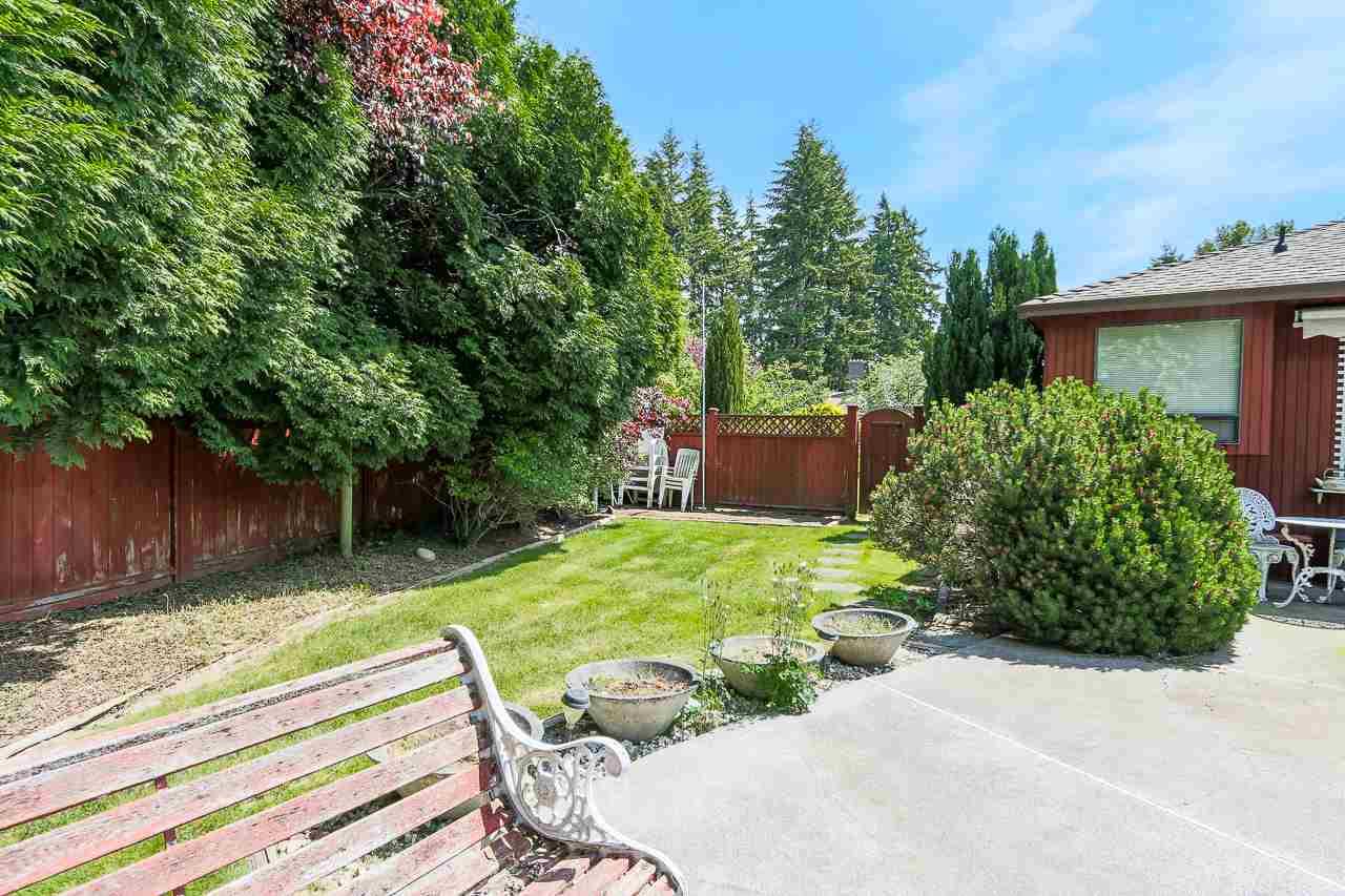 Detached at 2305 129B STREET, South Surrey White Rock, British Columbia. Image 3