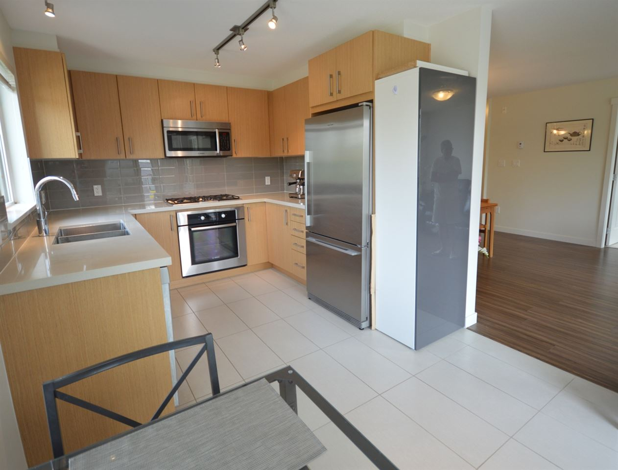 Condo Apartment at 317 3133 RIVERWALK AVENUE, Unit 317, Vancouver East, British Columbia. Image 2