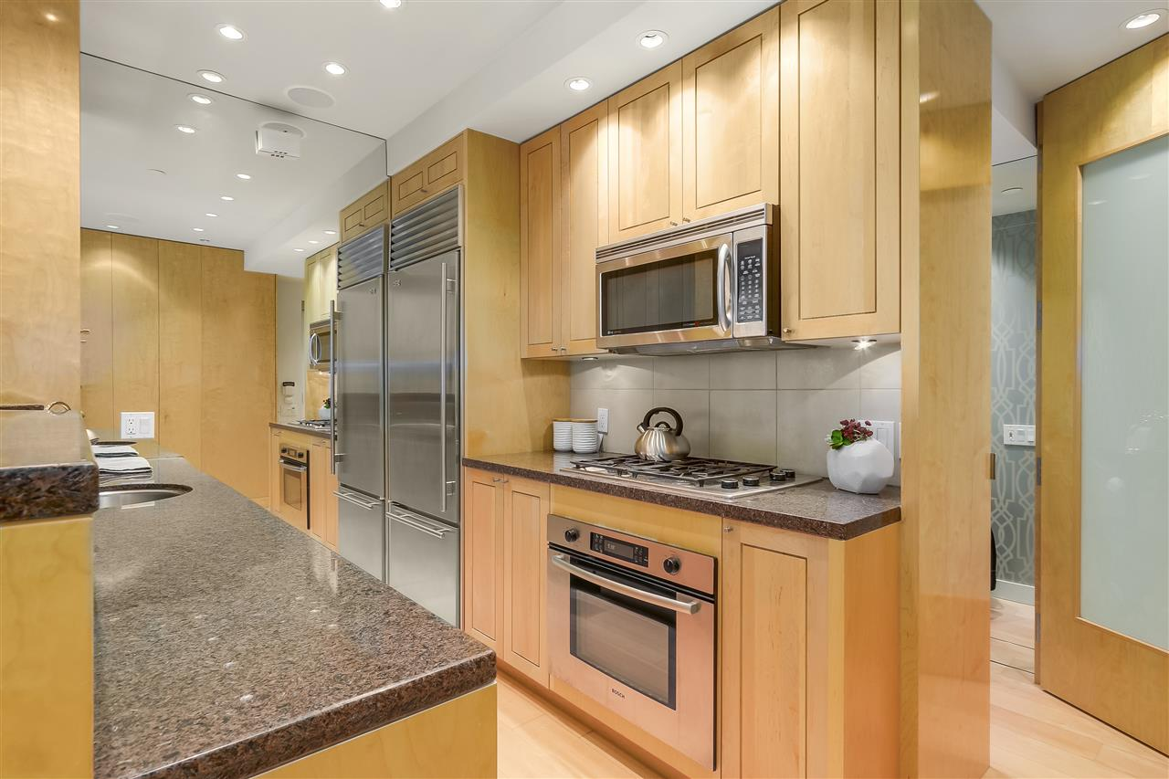 Townhouse at 403 BEACH CRESCENT, Vancouver West, British Columbia. Image 7