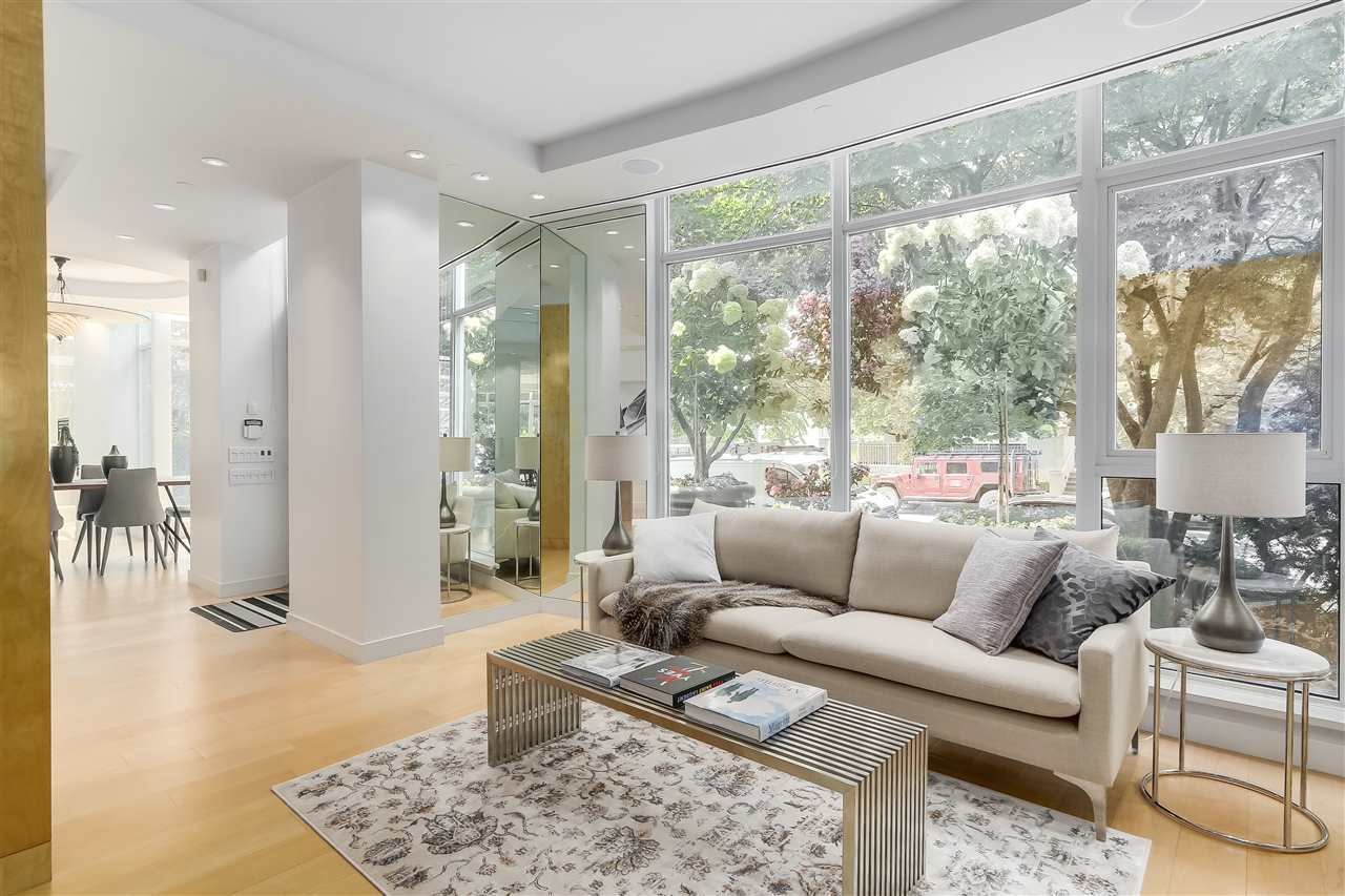Townhouse at 403 BEACH CRESCENT, Vancouver West, British Columbia. Image 8