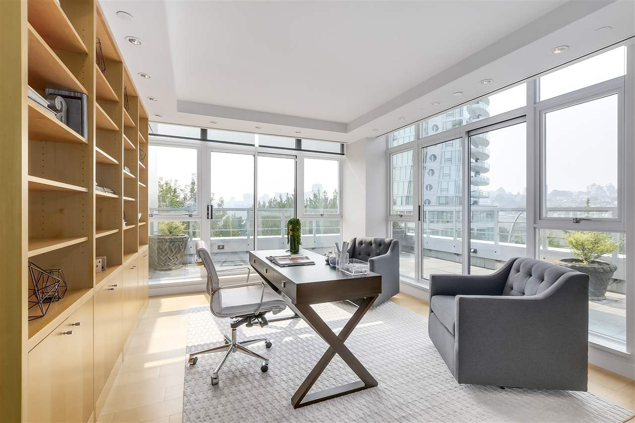 Townhouse at 403 BEACH CRESCENT, Vancouver West, British Columbia. Image 9