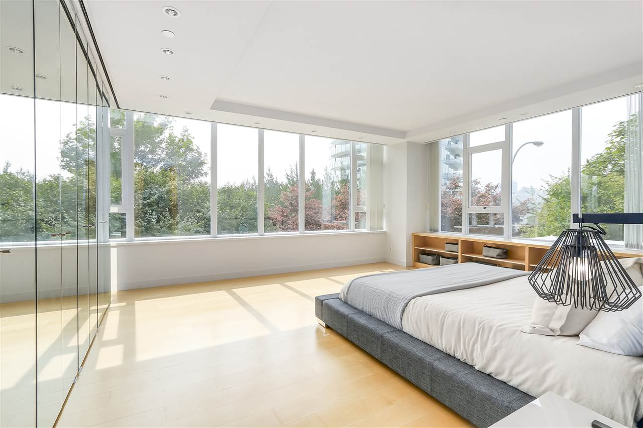 Townhouse at 403 BEACH CRESCENT, Vancouver West, British Columbia. Image 12