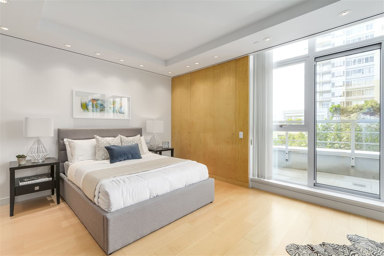 Townhouse at 403 BEACH CRESCENT, Vancouver West, British Columbia. Image 14