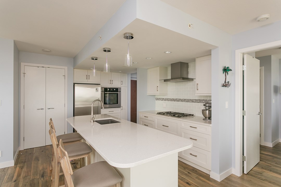 Condo Apartment at 1706 1455 GEORGE STREET, Unit 1706, South Surrey White Rock, British Columbia. Image 9
