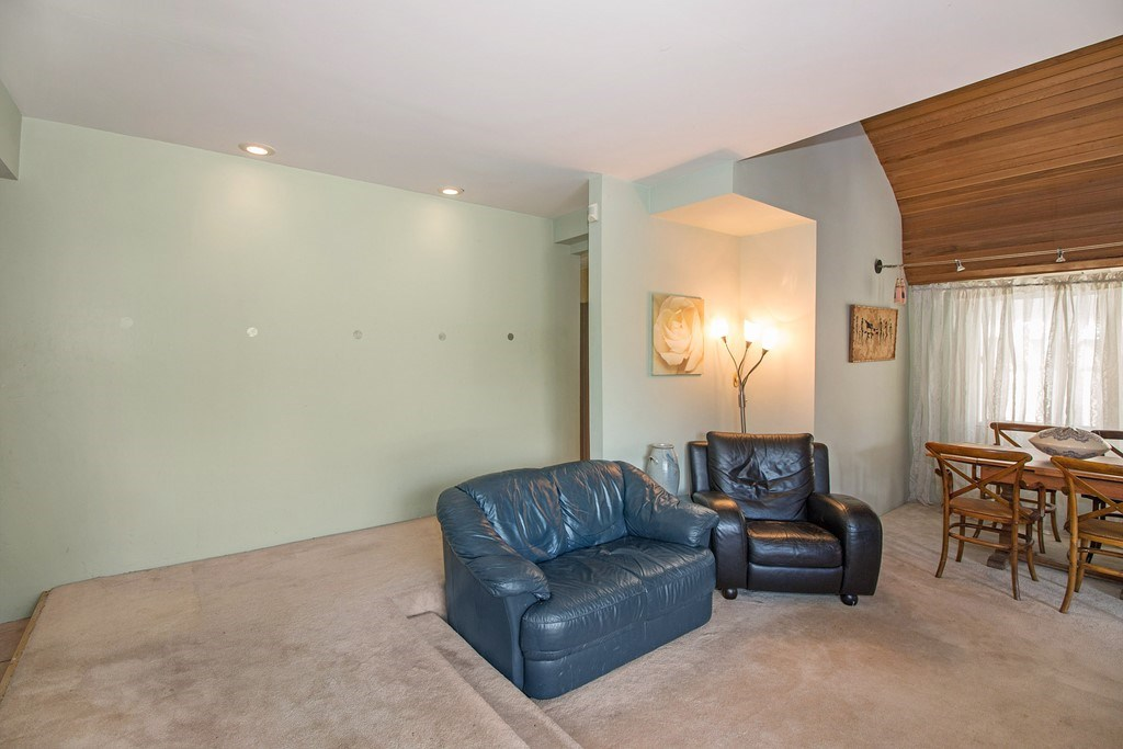 Detached at 4131 YALE STREET, Burnaby North, British Columbia. Image 5