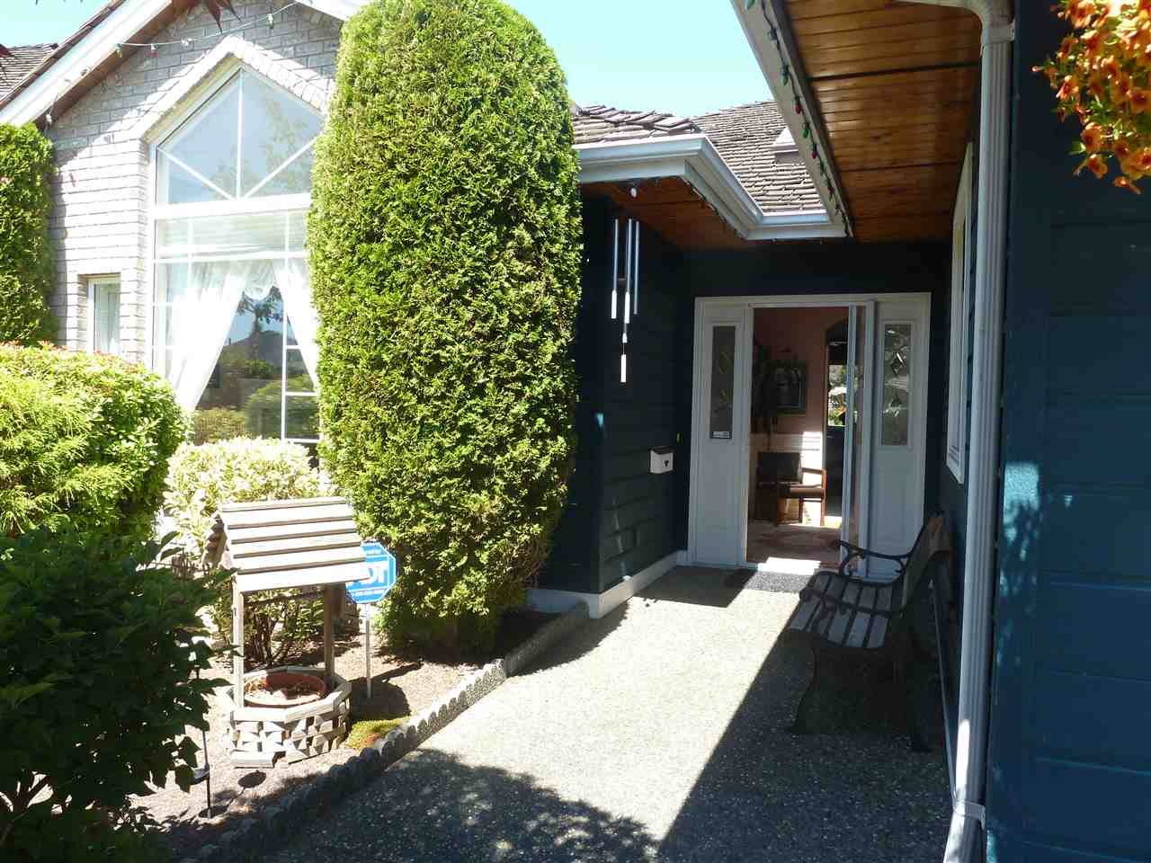 Detached at 5385 COMMODORE DRIVE, Ladner, British Columbia. Image 2