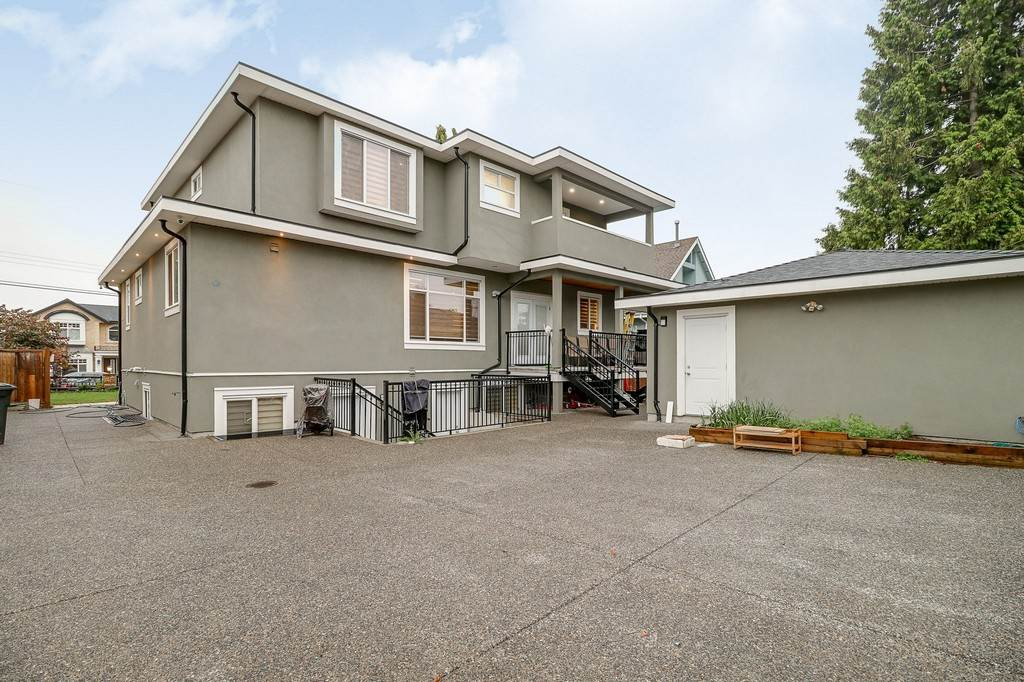 Detached at 8456 15TH AVENUE, Burnaby East, British Columbia. Image 20