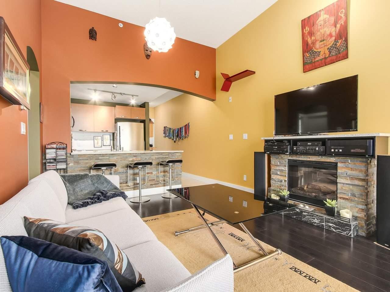 Condo Apartment at 602 7488 BYRNEPARK WALK, Unit 602, Burnaby South, British Columbia. Image 5
