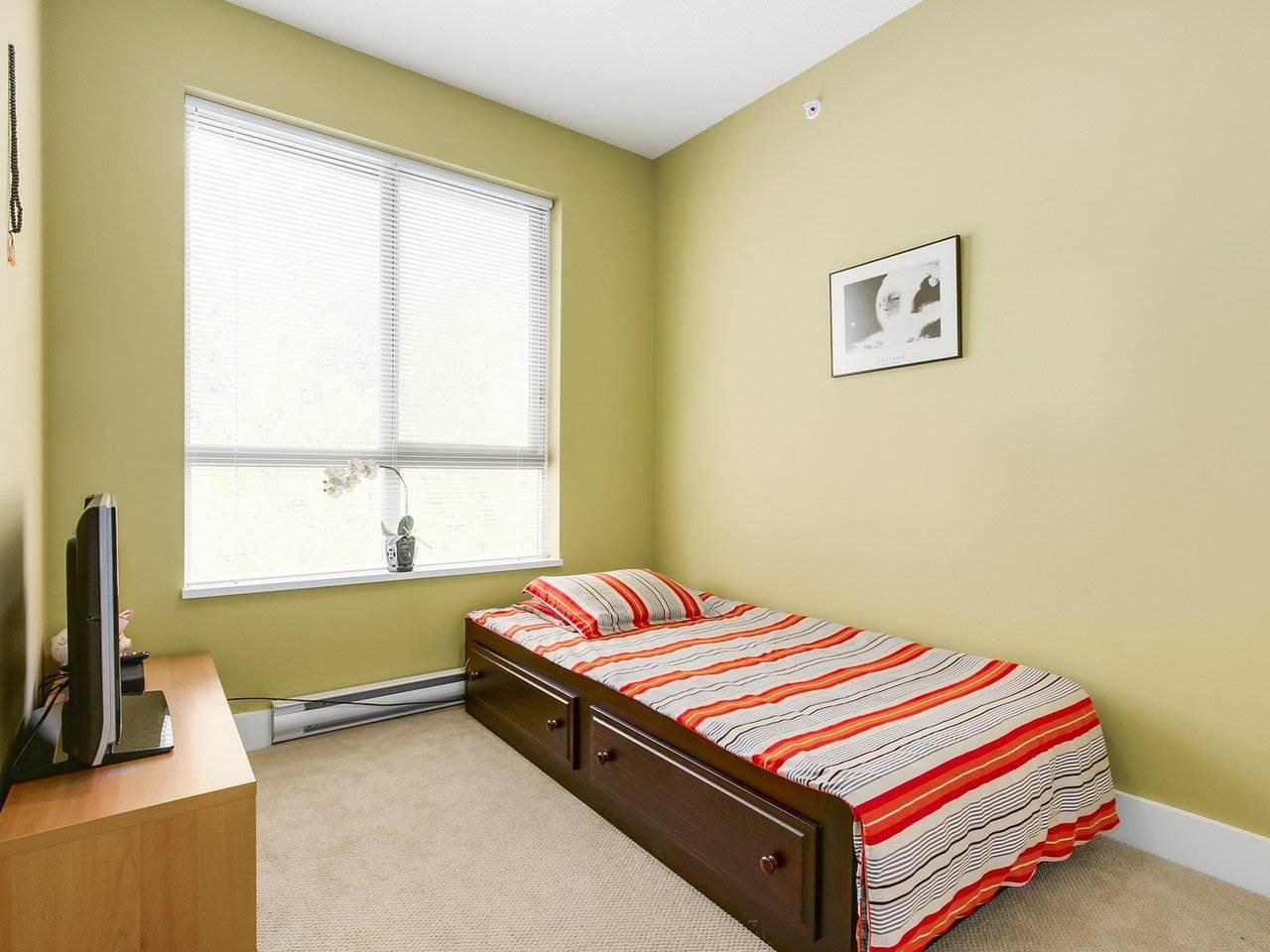 Condo Apartment at 602 7488 BYRNEPARK WALK, Unit 602, Burnaby South, British Columbia. Image 10