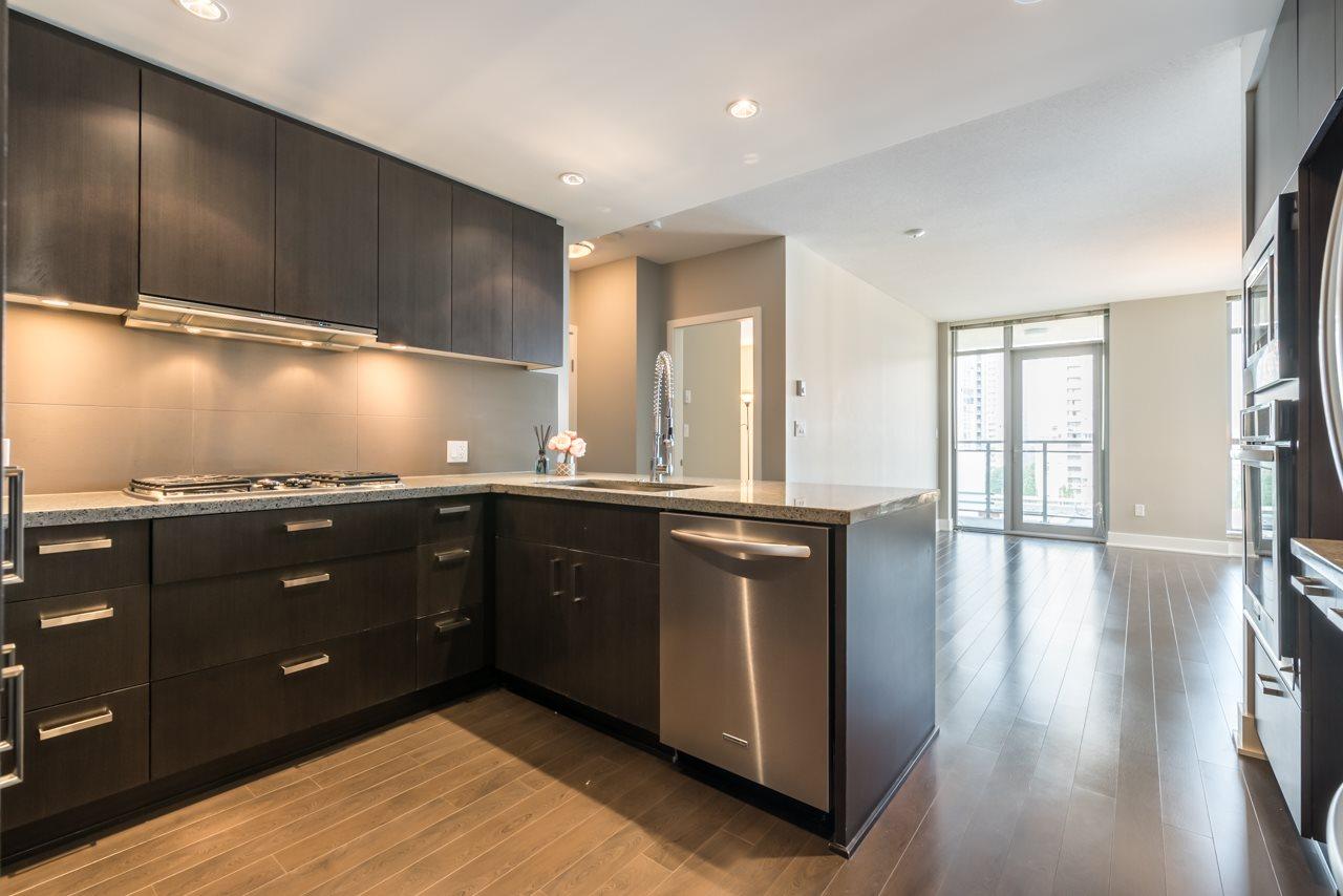 Condo Apartment at 901 3008 GLEN DRIVE, Unit 901, Coquitlam, British Columbia. Image 2