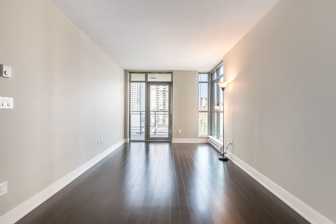 Condo Apartment at 901 3008 GLEN DRIVE, Unit 901, Coquitlam, British Columbia. Image 3