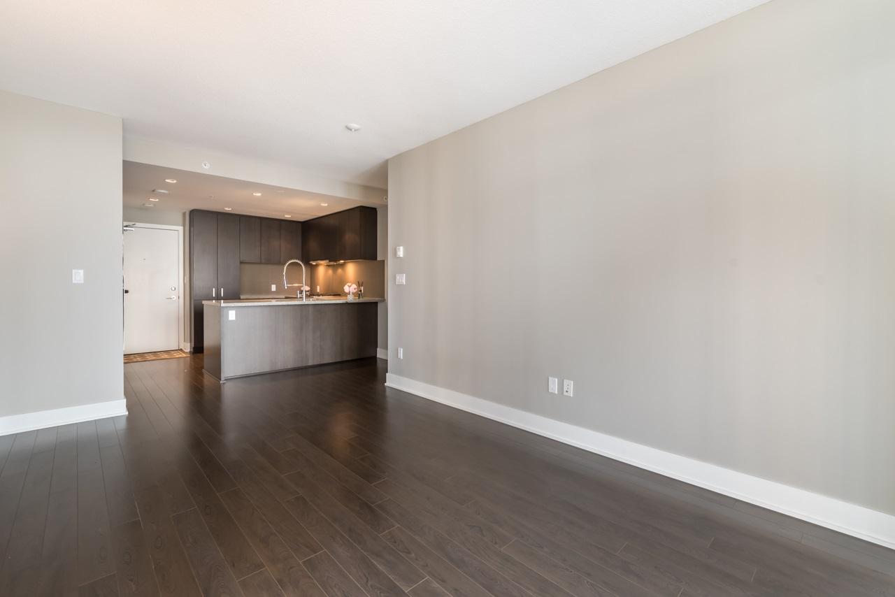 Condo Apartment at 901 3008 GLEN DRIVE, Unit 901, Coquitlam, British Columbia. Image 4