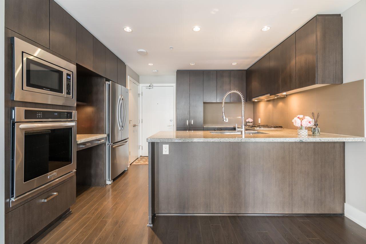 Condo Apartment at 901 3008 GLEN DRIVE, Unit 901, Coquitlam, British Columbia. Image 6