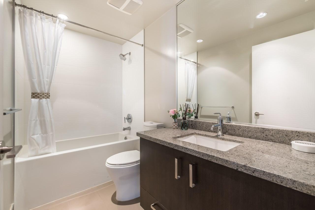 Condo Apartment at 901 3008 GLEN DRIVE, Unit 901, Coquitlam, British Columbia. Image 8