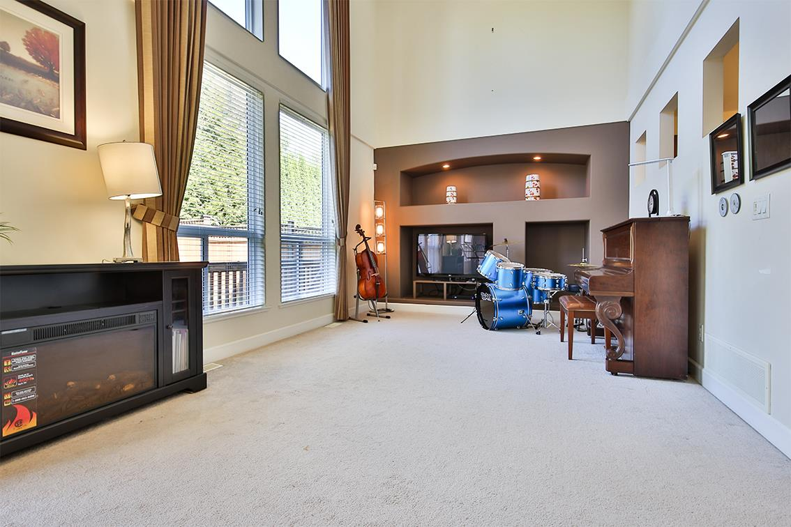 Detached at 20211 70A AVENUE, Langley, British Columbia. Image 6