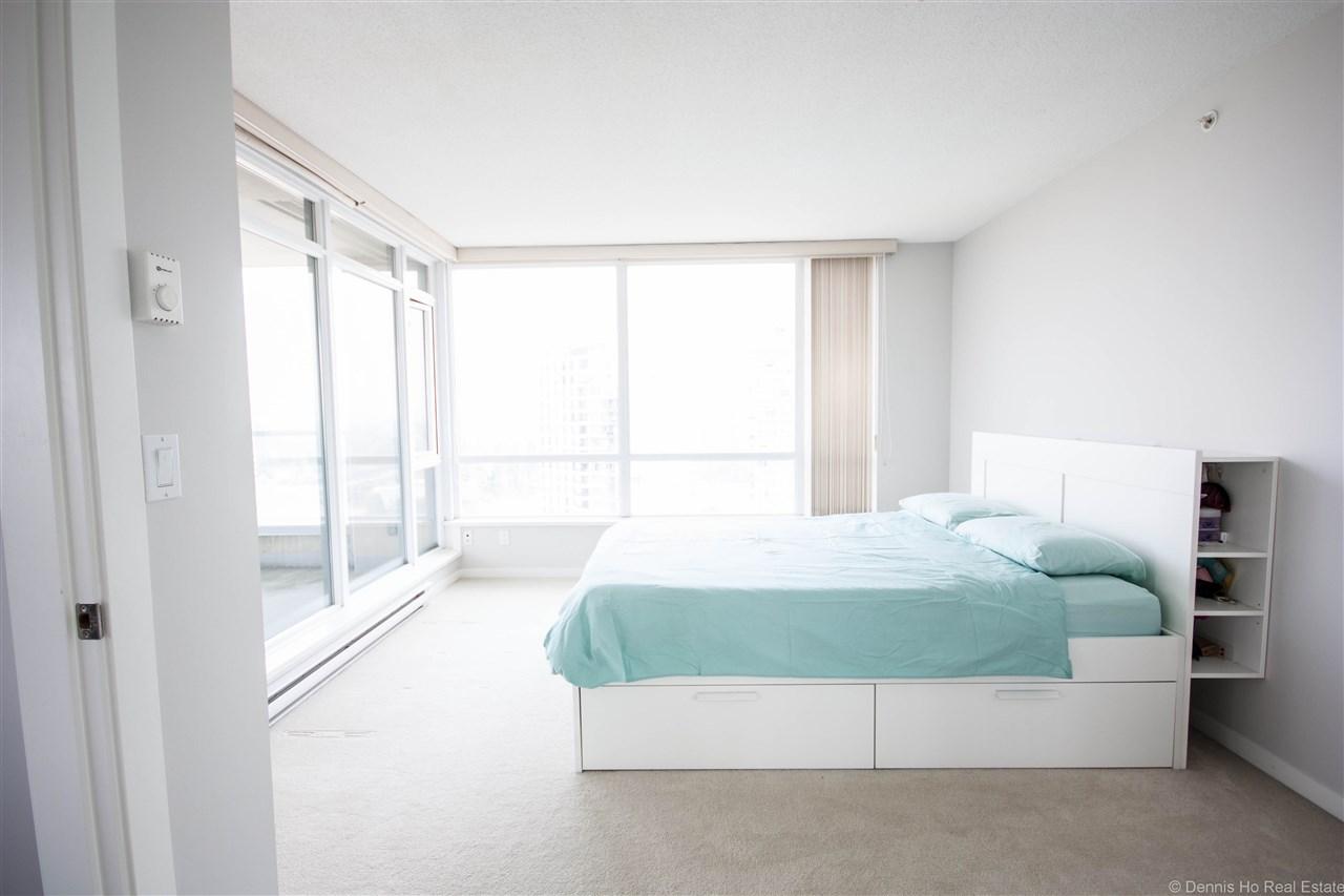 Condo Apartment at 2203 2133 DOUGLAS ROAD, Unit 2203, Burnaby North, British Columbia. Image 4
