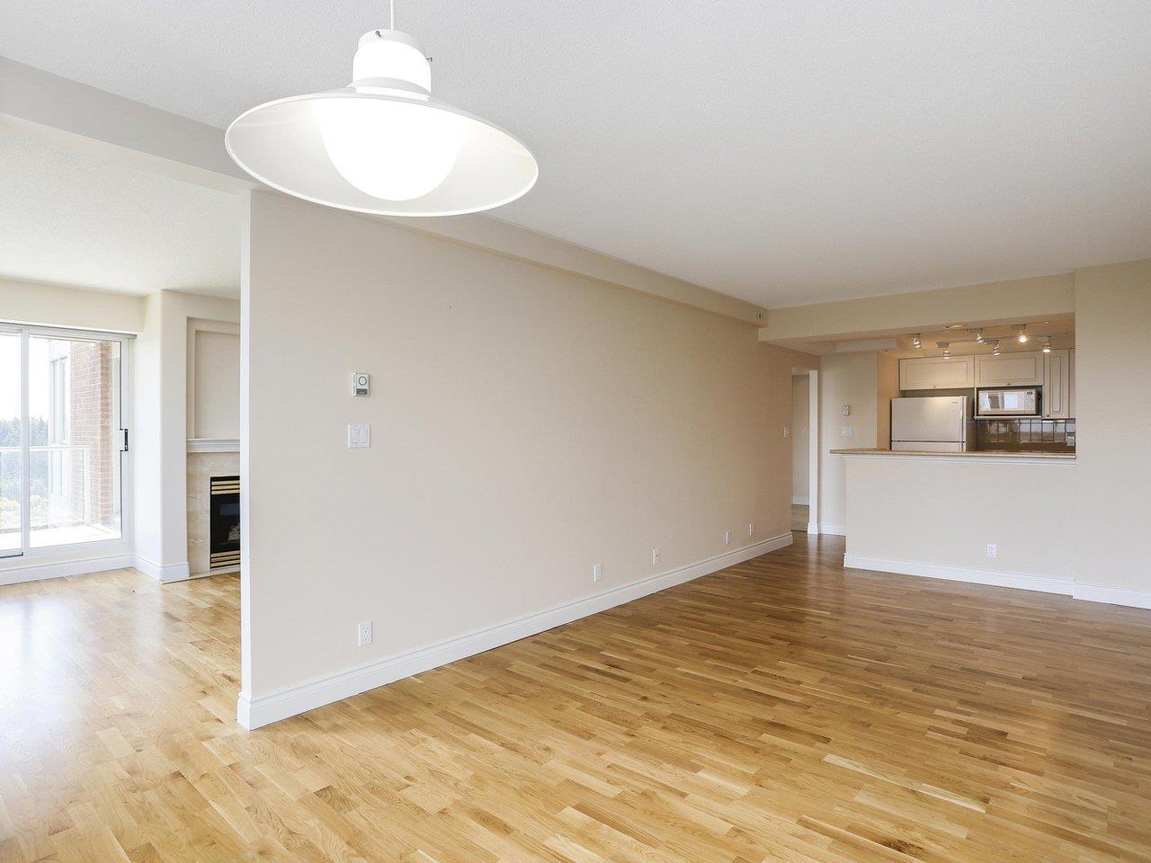Condo Apartment at 1704 5775 HAMPTON PLACE, Unit 1704, Vancouver West, British Columbia. Image 5