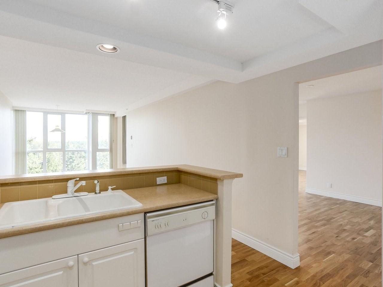 Condo Apartment at 1704 5775 HAMPTON PLACE, Unit 1704, Vancouver West, British Columbia. Image 7