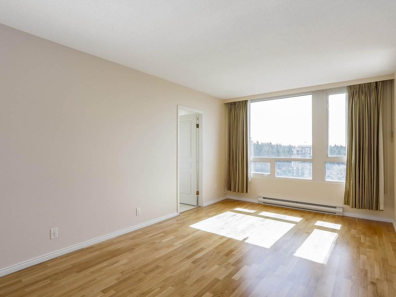 Condo Apartment at 1704 5775 HAMPTON PLACE, Unit 1704, Vancouver West, British Columbia. Image 8