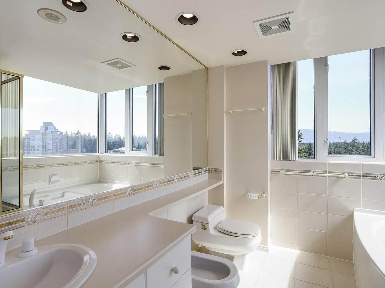 Condo Apartment at 1704 5775 HAMPTON PLACE, Unit 1704, Vancouver West, British Columbia. Image 10