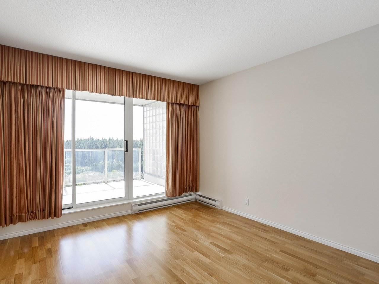 Condo Apartment at 1704 5775 HAMPTON PLACE, Unit 1704, Vancouver West, British Columbia. Image 12