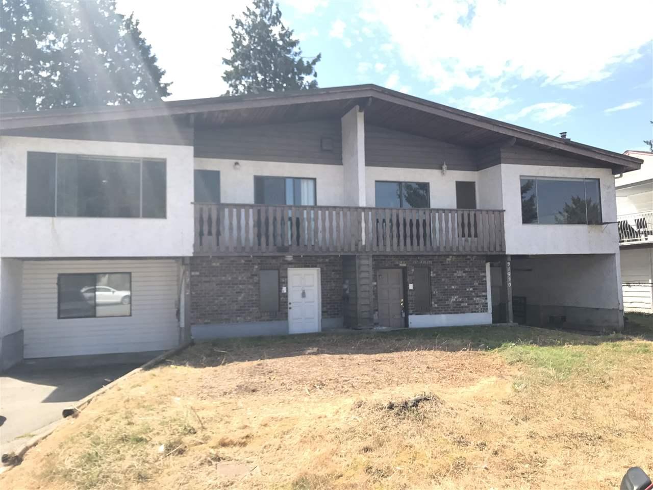 Half-duplex at 31930 MADIERA PLACE, Abbotsford, British Columbia. Image 1