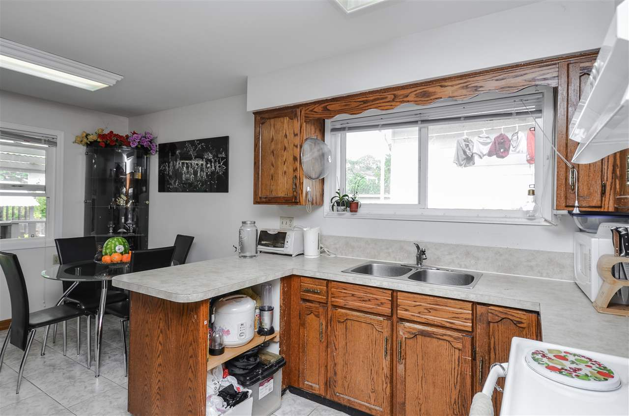 Detached at 5267 HOY STREET, Vancouver East, British Columbia. Image 8