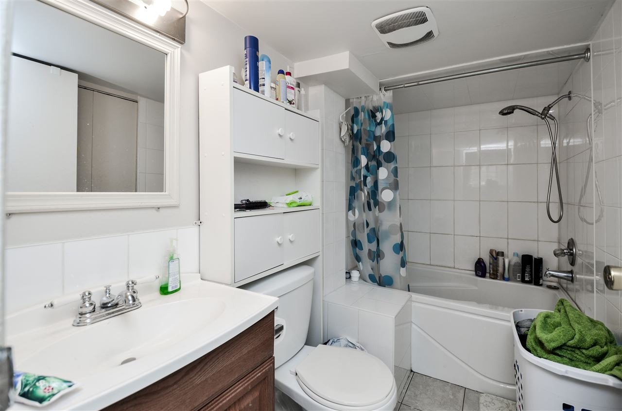 Detached at 5267 HOY STREET, Vancouver East, British Columbia. Image 12