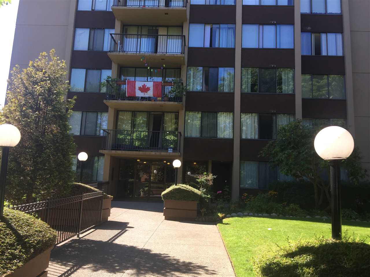 Condo Apartment at 1201 7275 SALISBURY AVENUE, Unit 1201, Burnaby South, British Columbia. Image 4