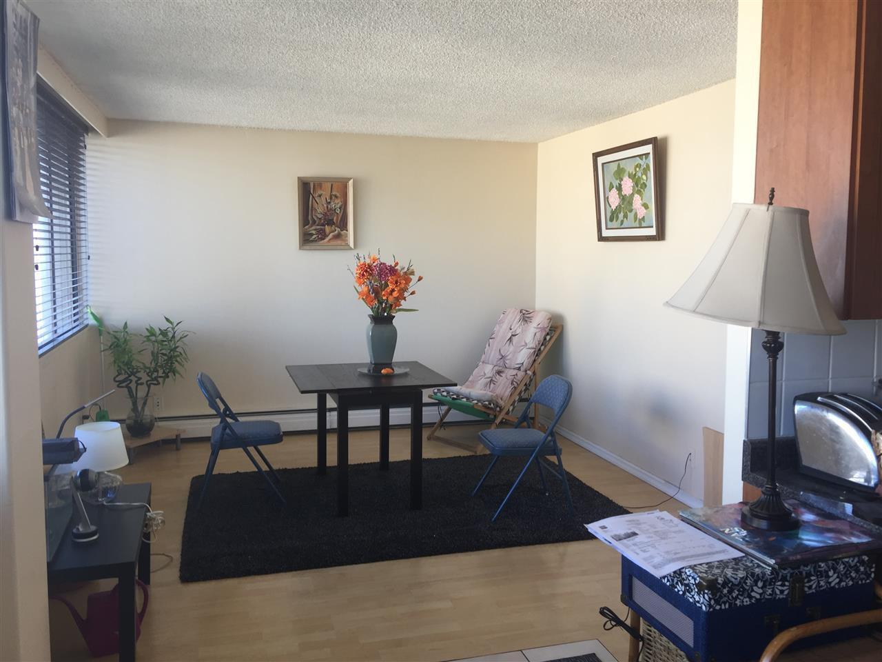 Condo Apartment at 1201 7275 SALISBURY AVENUE, Unit 1201, Burnaby South, British Columbia. Image 6