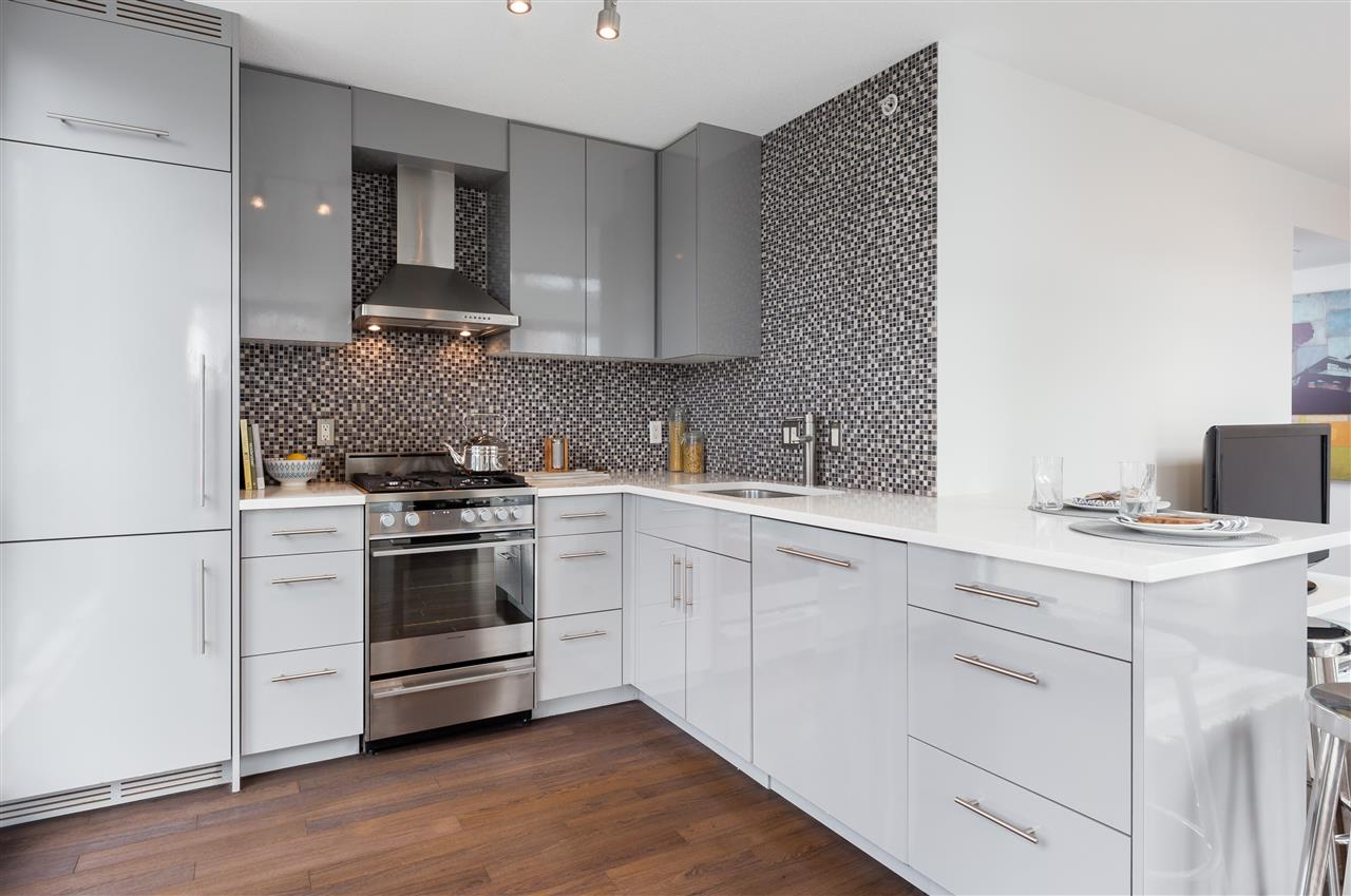 Condo Apartment at 803 1238 RICHARDS STREET, Unit 803, Vancouver West, British Columbia. Image 3