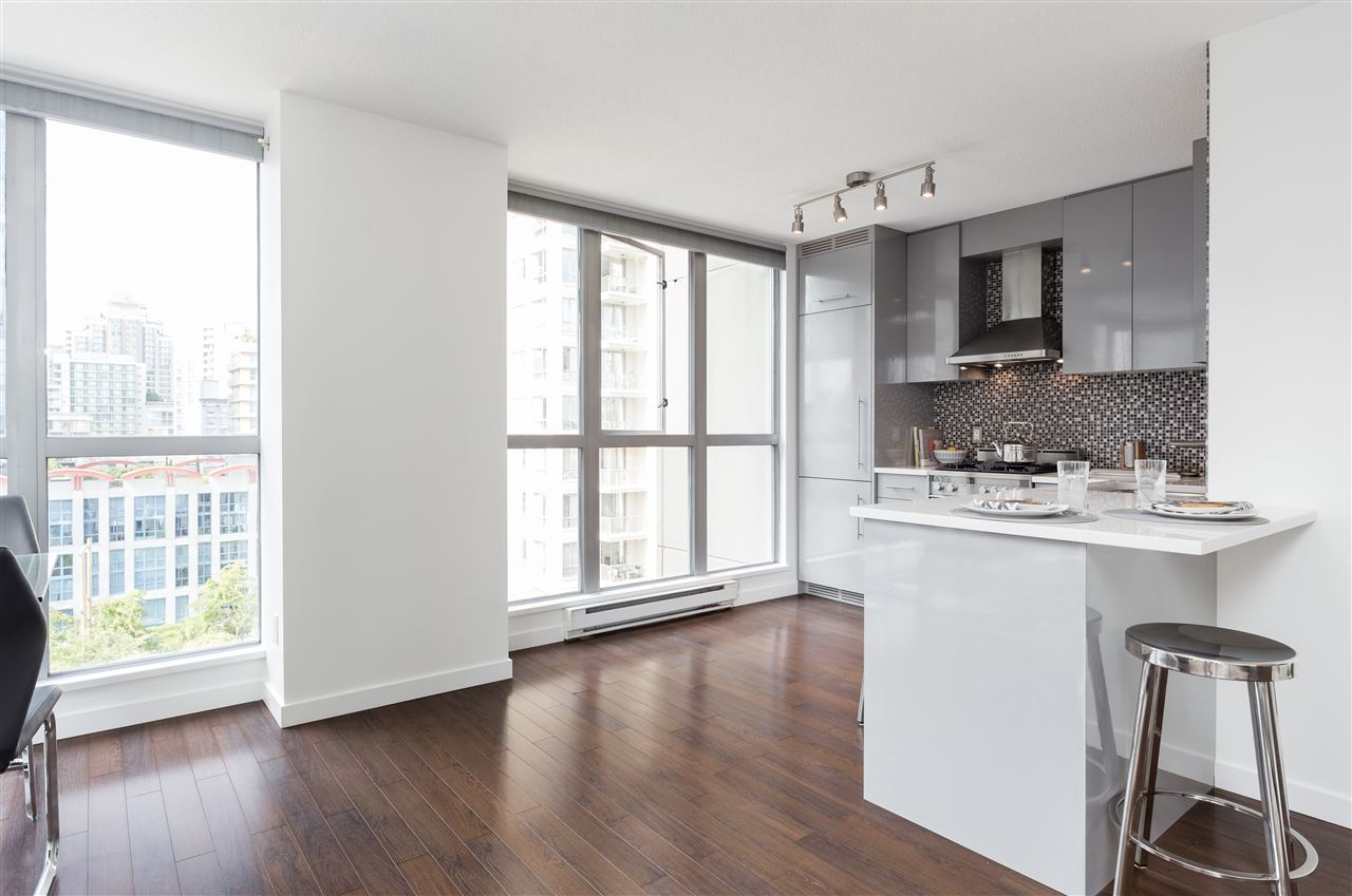 Condo Apartment at 803 1238 RICHARDS STREET, Unit 803, Vancouver West, British Columbia. Image 4