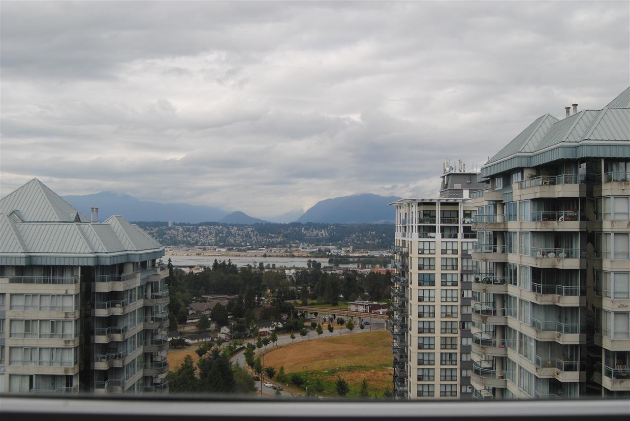 Condo Apartment at 2002 13380 108 AVENUE, Unit 2002, North Surrey, British Columbia. Image 3