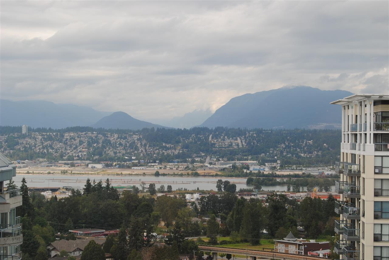 Condo Apartment at 2002 13380 108 AVENUE, Unit 2002, North Surrey, British Columbia. Image 4
