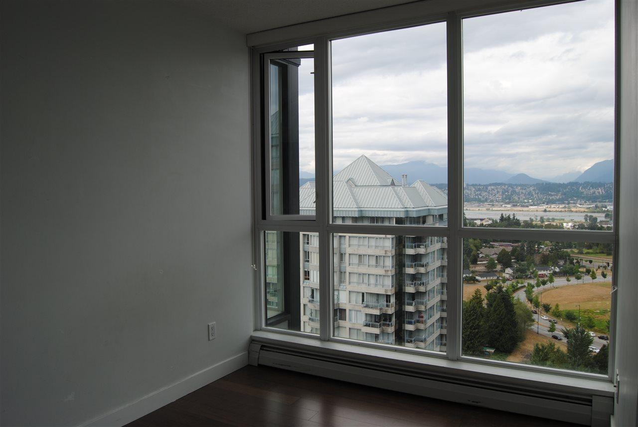 Condo Apartment at 2002 13380 108 AVENUE, Unit 2002, North Surrey, British Columbia. Image 5