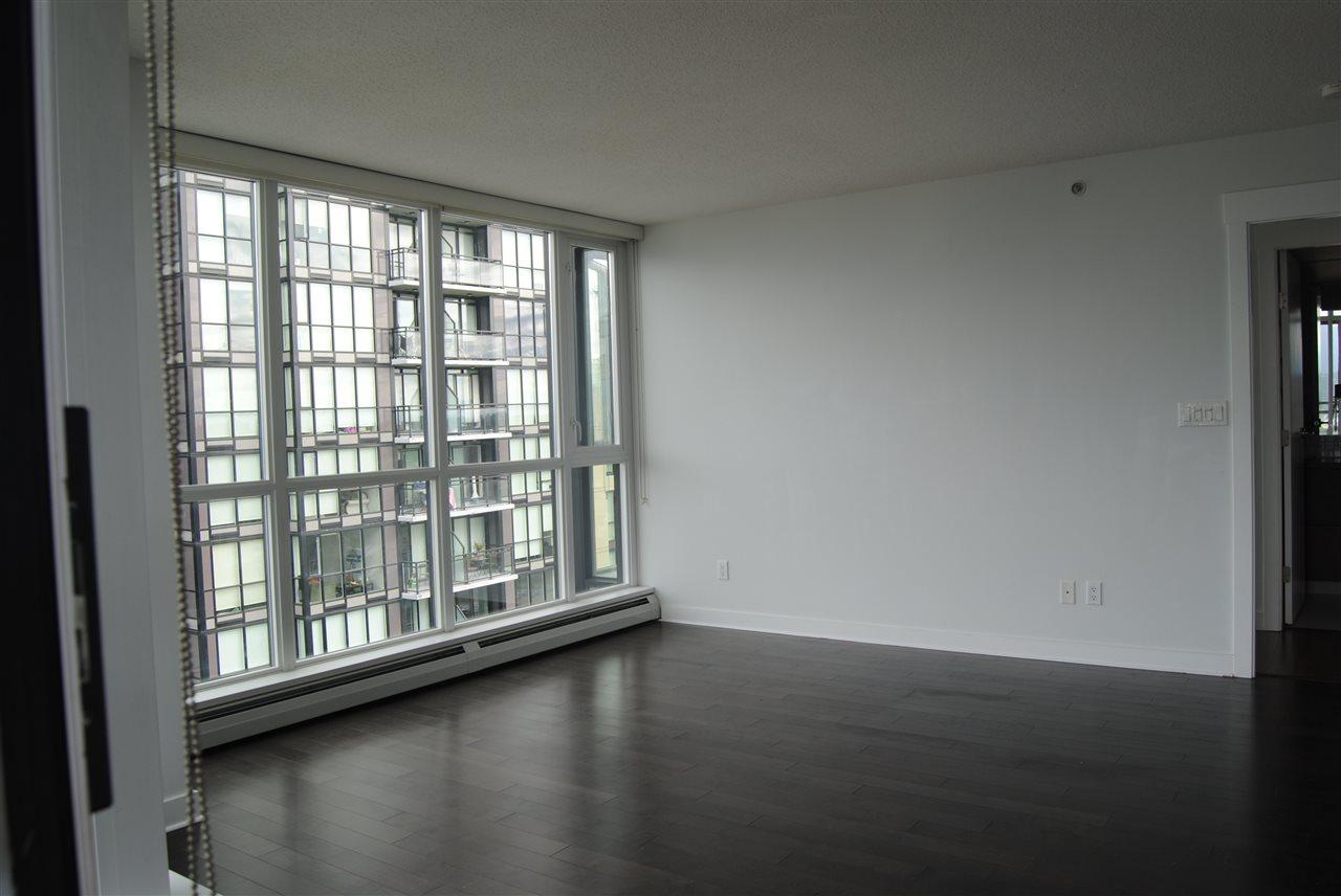 Condo Apartment at 2002 13380 108 AVENUE, Unit 2002, North Surrey, British Columbia. Image 8