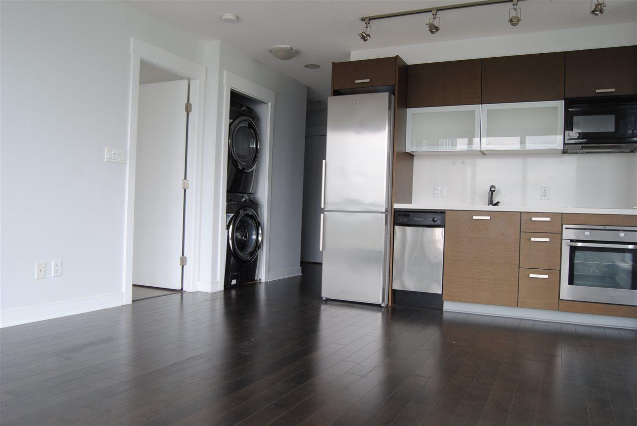 Condo Apartment at 2002 13380 108 AVENUE, Unit 2002, North Surrey, British Columbia. Image 9