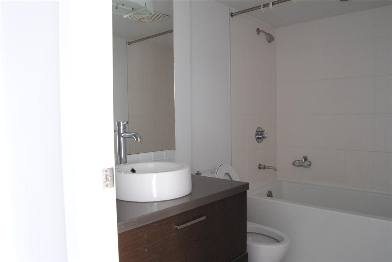 Condo Apartment at 2002 13380 108 AVENUE, Unit 2002, North Surrey, British Columbia. Image 11