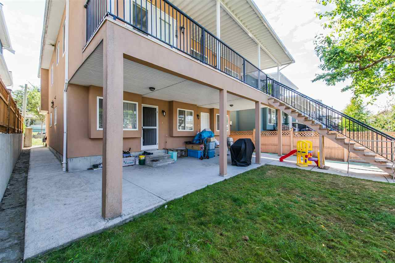Detached at 2395 E 38TH AVENUE, Vancouver East, British Columbia. Image 2