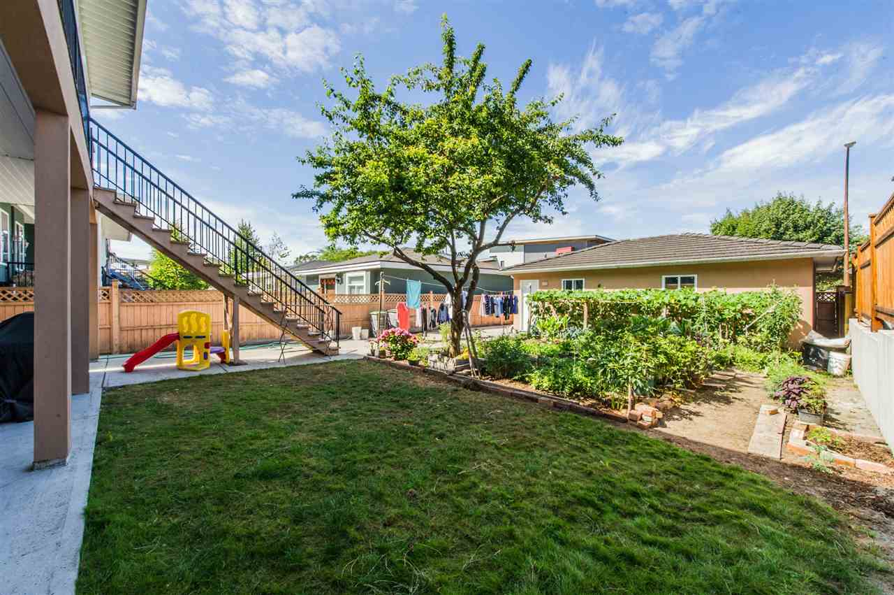 Detached at 2395 E 38TH AVENUE, Vancouver East, British Columbia. Image 4