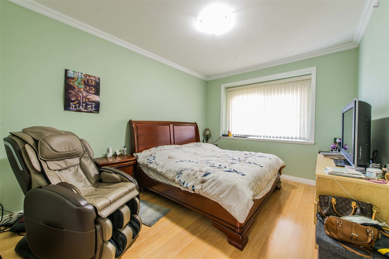 Detached at 2395 E 38TH AVENUE, Vancouver East, British Columbia. Image 7