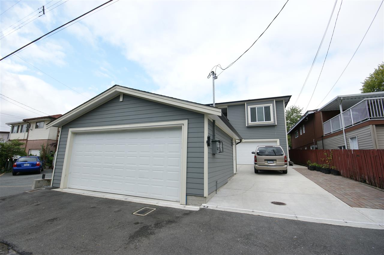 Detached at 3722 BOUNDARY ROAD, Burnaby South, British Columbia. Image 16