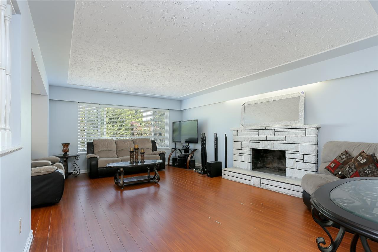 Detached at 1522 54TH AVENUE, Vancouver East, British Columbia. Image 4