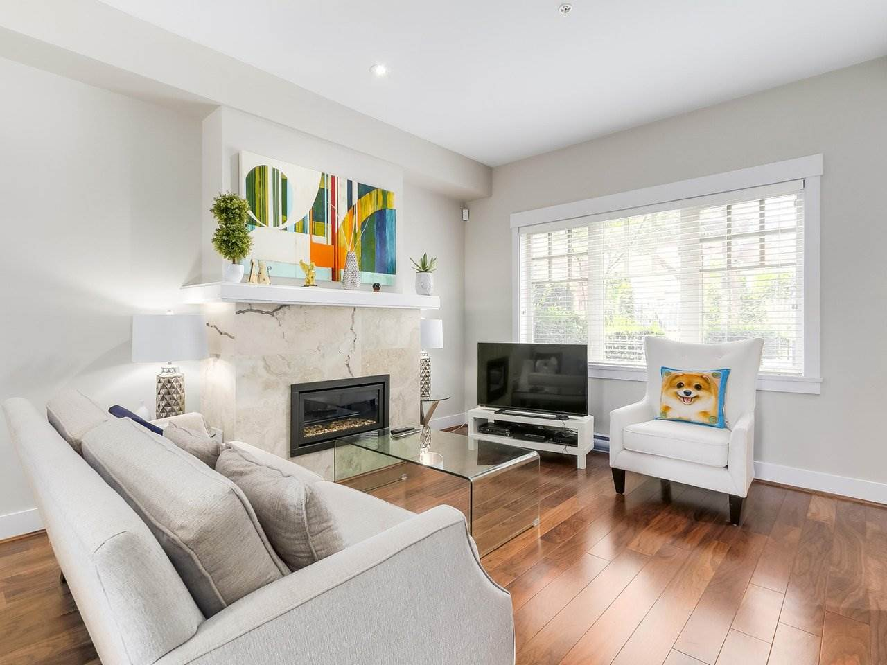 Townhouse at 5926 OAK STREET, Vancouver West, British Columbia. Image 2
