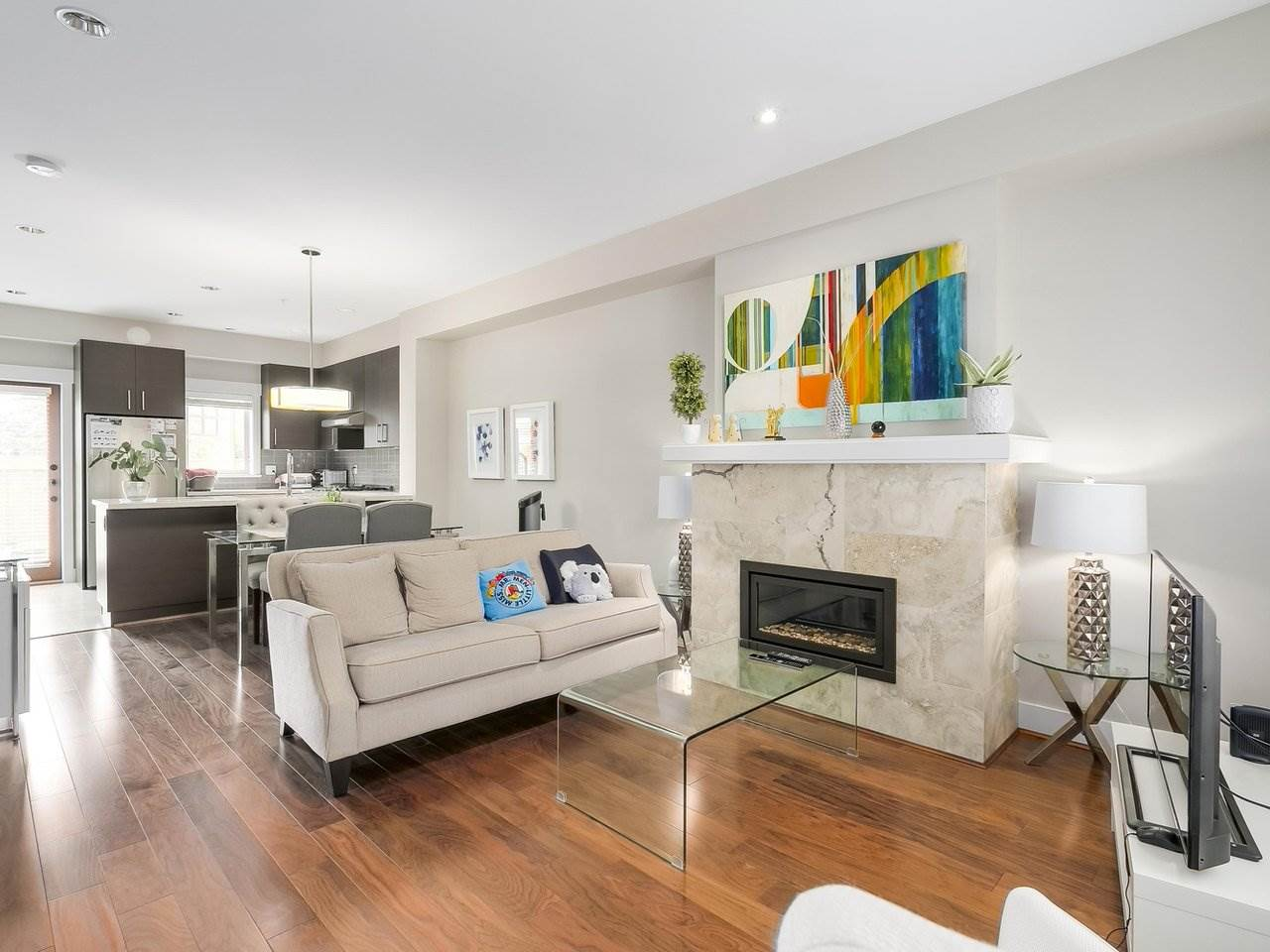 Townhouse at 5926 OAK STREET, Vancouver West, British Columbia. Image 4